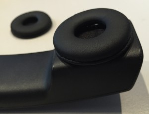 Ohrpolster am DX800A Telefonhörer zur Montage des Plantronics HL10 Heaset Lifter